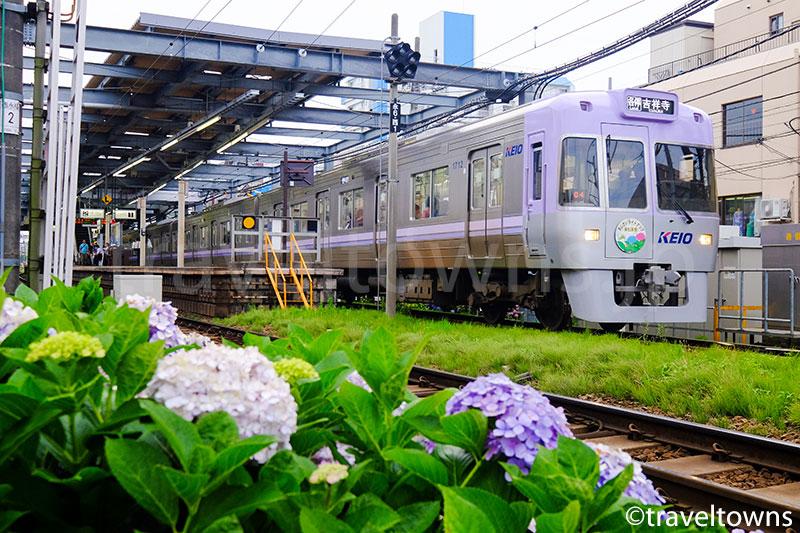 西永福駅を発車する井の頭線1000系