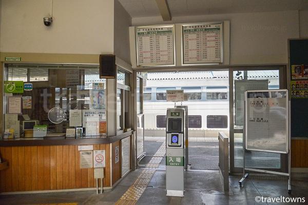 富士見駅の改札口