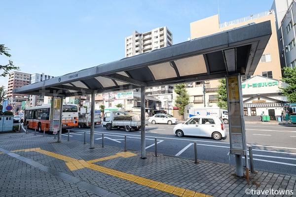 菓子屋横丁、川越氷川神社方面へのバス停