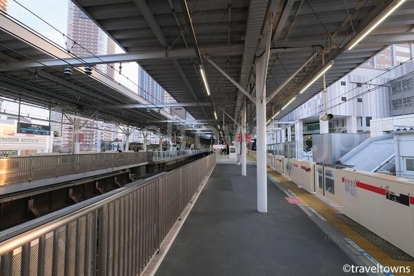 東急東横線、東急目黒線の武蔵小杉駅ホーム