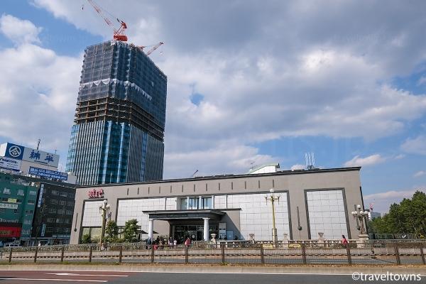 アトレ四ツ谷と再開発で建設中のビル