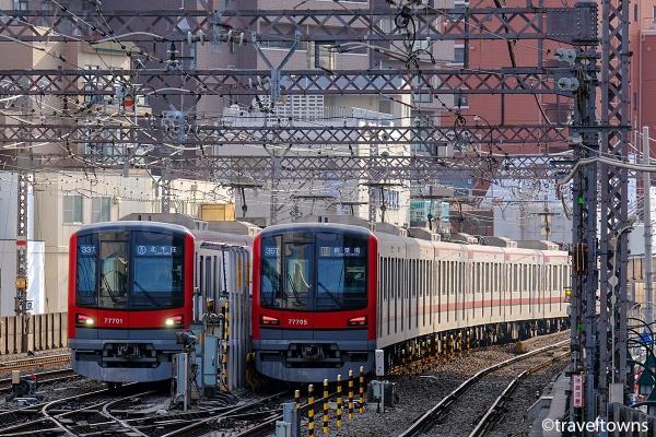 中目黒駅の引き上げ線で並ぶ東武70000系