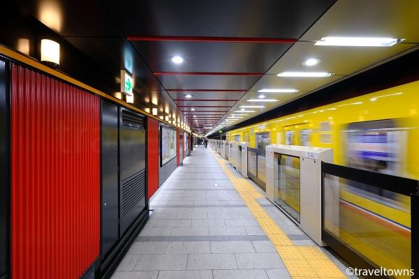 東京メトロ銀座線の浅草駅ホーム