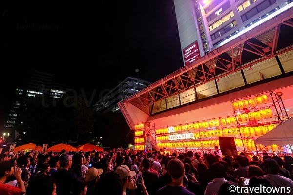 中野サンプラザ前で開催された2018年の中野駅前大盆踊り大会