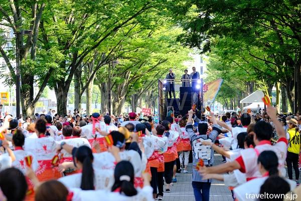 代々木公園から渋谷方面に向かうNHK前ストリート会場(ケヤキ並木)