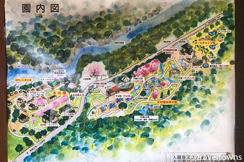 天守閣自然公園や木の家ロッジなどの地図