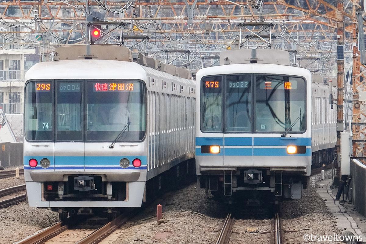 東京メトロ東西線の05系と東京メトロ07系