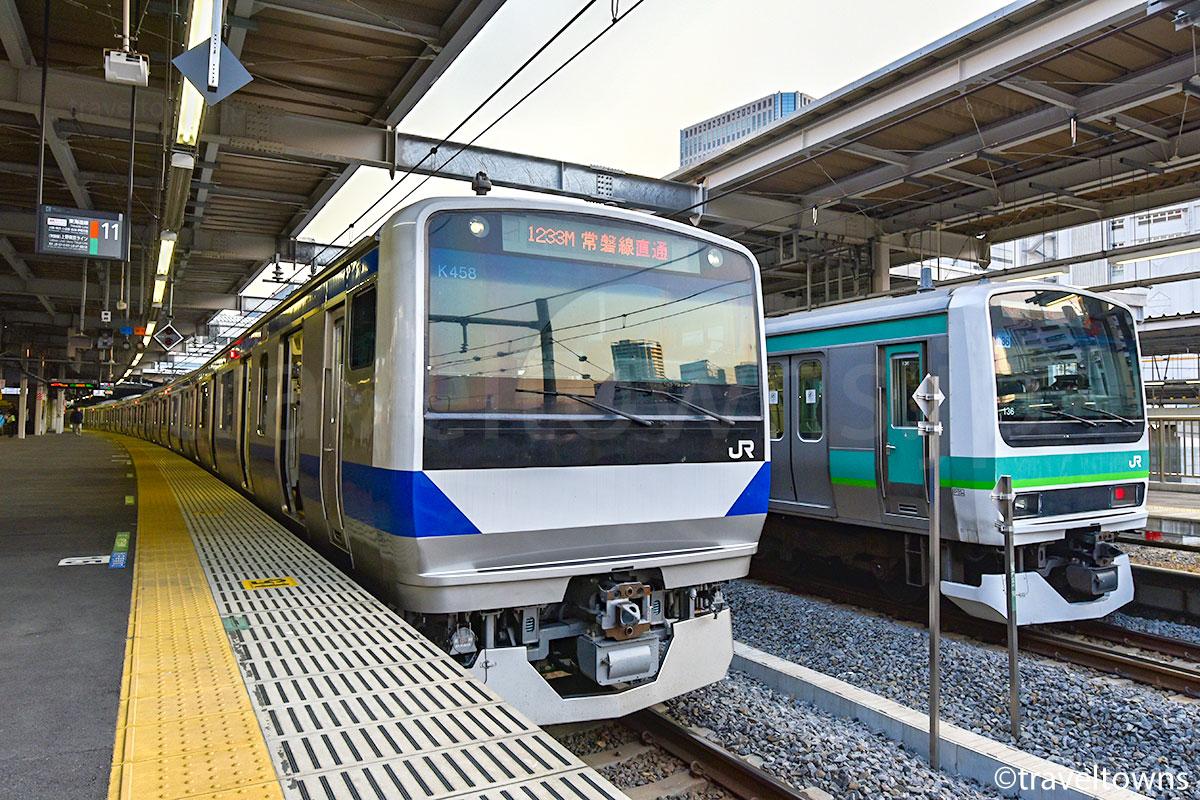 品川駅に停車中のJR常磐線直通電車