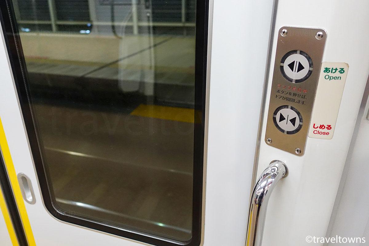 青梅線内はボタンを押してドアを開け閉めする
