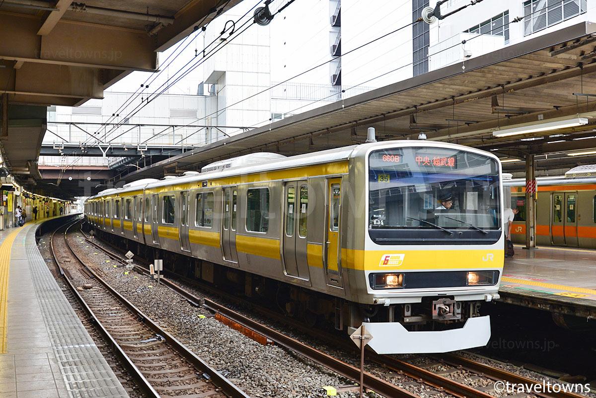 土休日ダイヤの早朝に設定される立川駅始発の直通電車