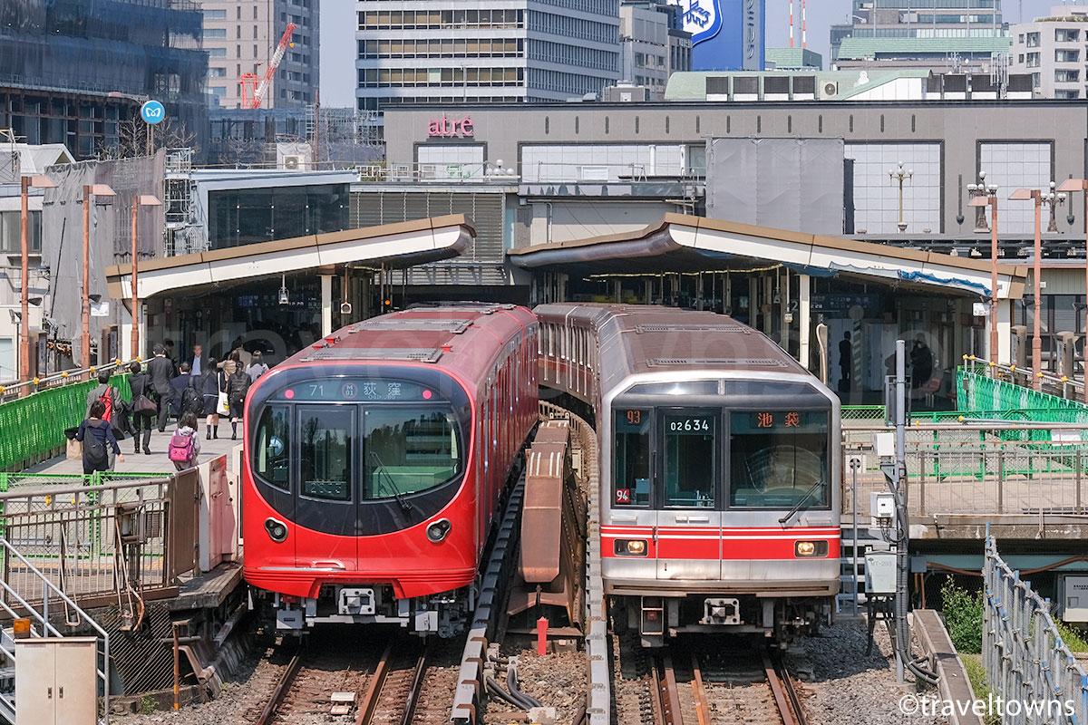 四ツ谷駅で並ぶ東京メトロ丸ノ内線の2000系と02系
