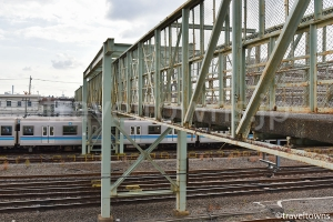 JR三鷹電車庫跨線橋