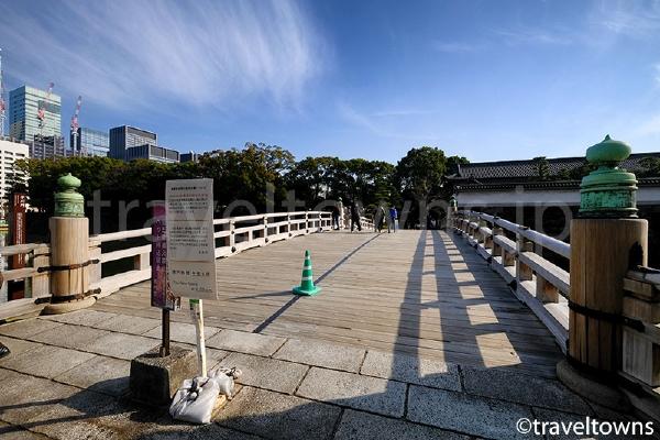 平川門へと続く平川橋