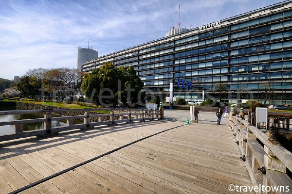 竹橋駅からすぐの皇居東御苑入口