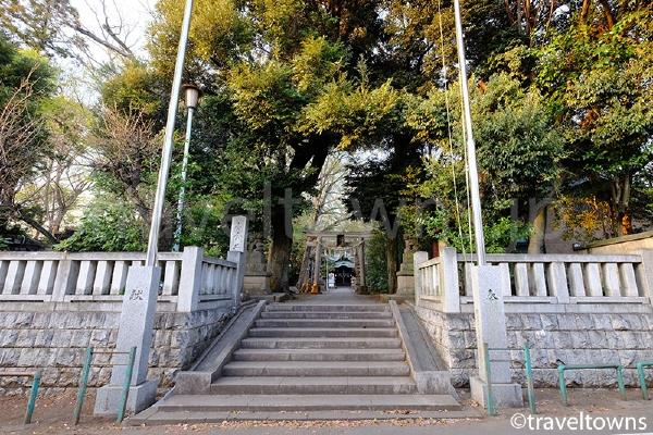 小金井神社の入口