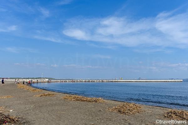 砂浜が広がるつばさ浜