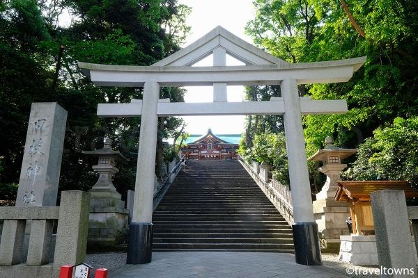 山王鳥居と表参道(山王男坂)