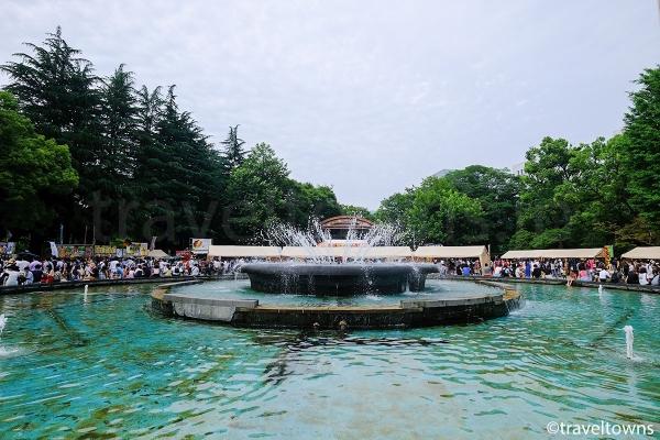 周辺でフェスティバルなど各種イベントが開催される大噴水