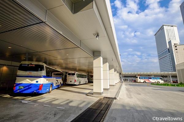 4Fの高速バスのりばフロア