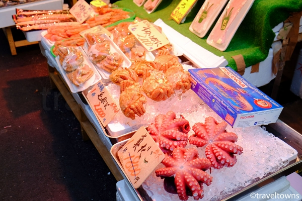 アメ横には海鮮類を扱うお店も多い