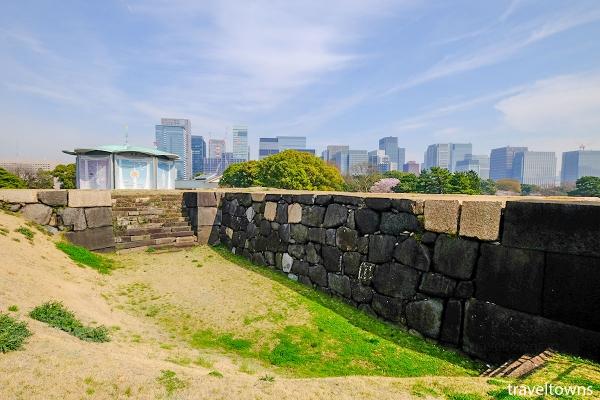 石垣が間近で見られる