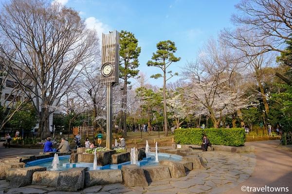 管理事務所横にある噴水の広場