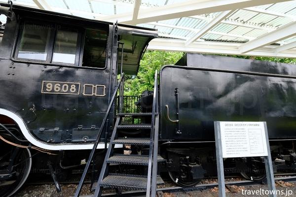 1913(大正2)年製造の9600形蒸気機関車は運転席を見学できる
