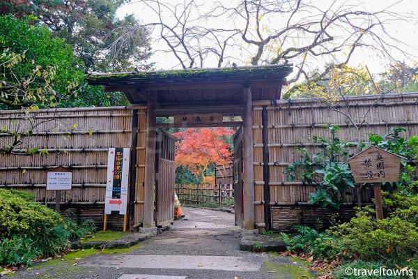 甘泉園公園の入り口(新目白通り側)