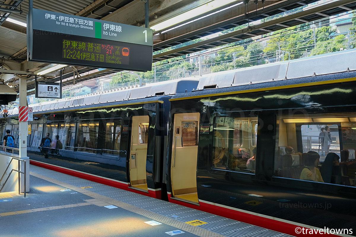 伊豆急行線の普通列車として乗車できる