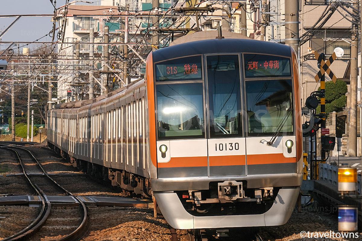 東京メトロ10000系で運転される東急東横線の特急