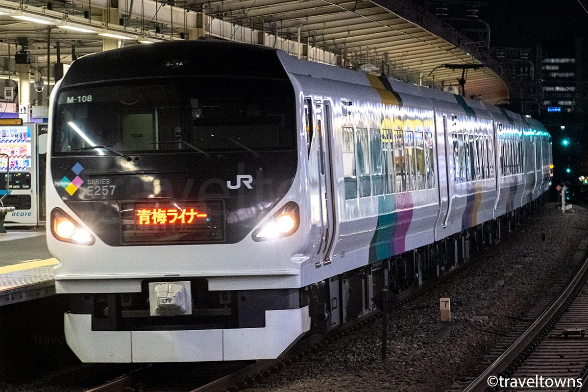 西荻窪駅を通過する青梅ライナー
