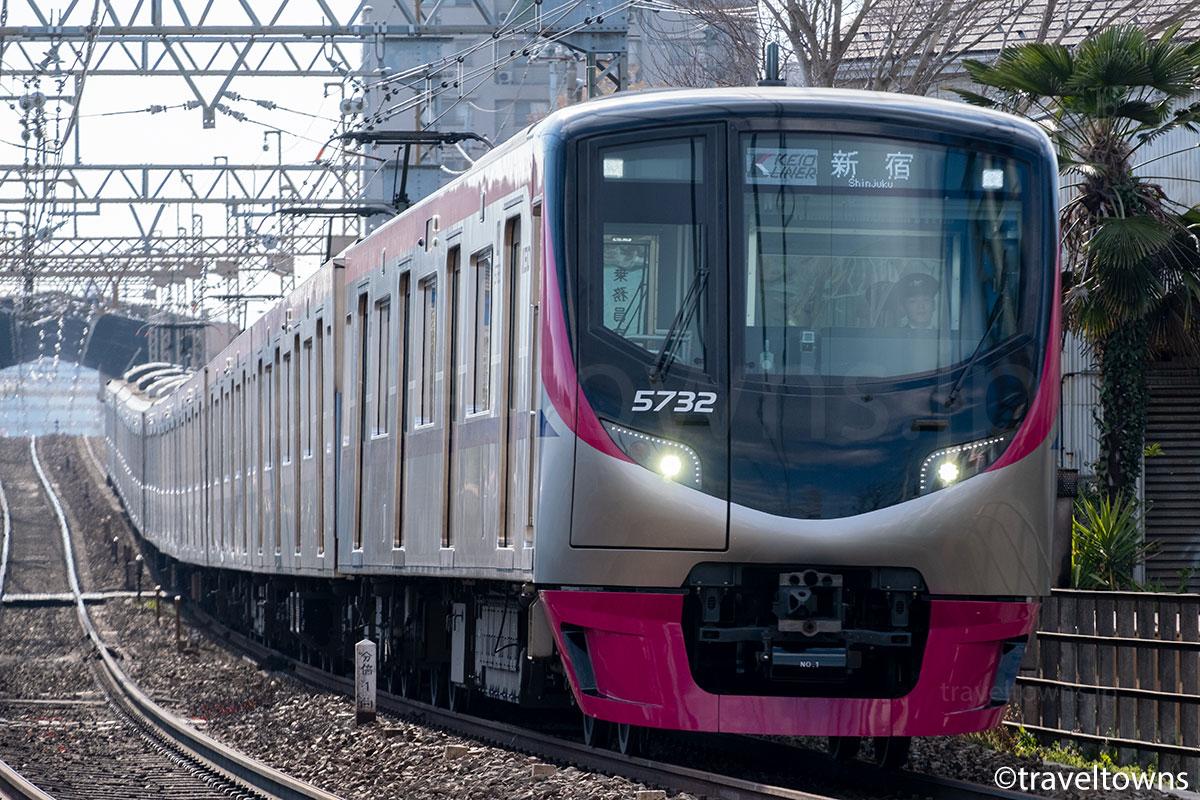 中河原~分倍河原駅間を走る京王ライナー82号